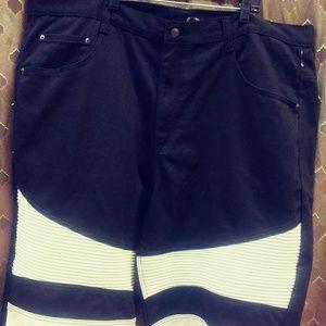 NWOT...Mens Shorts